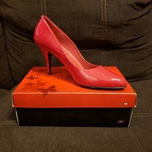 PLEASER Vanity 420 Pointed-Toe Pumps (Red)